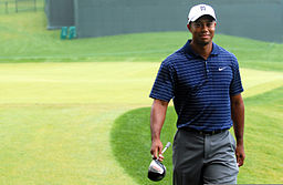 Tiger_Woods_at_Earl_D._Woods_Memorial_Pro-Am_2009-07-01